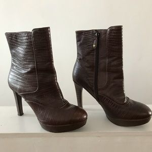 Brown leather Rockport ankle booties.